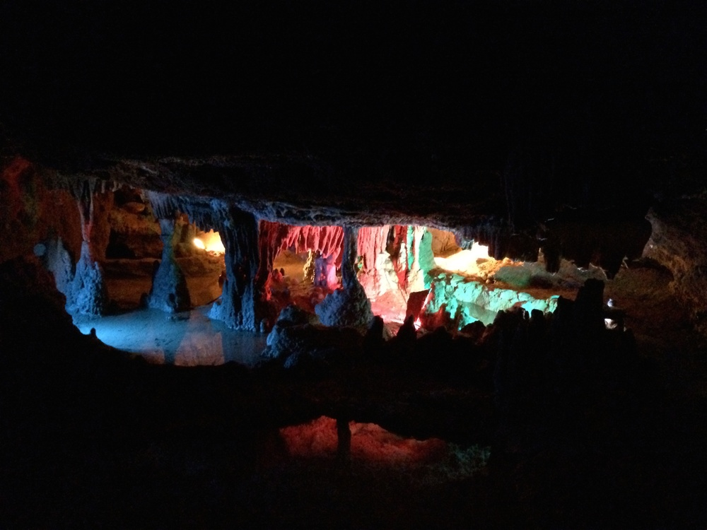 The Rainbox Room, Grand Caverns